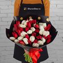Фото №1: Букет из белых и красных тюльпанов