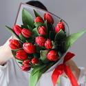 Фото №1: Букет красных тюльпанов