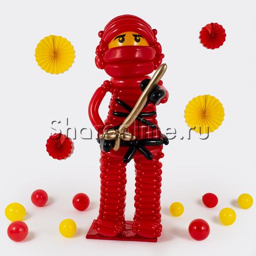 """Фото №1: Фигура из шаров Ниндзяго """"Кай"""""""