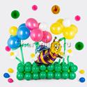 """Фото №1: Фигура из шаров """"Пчелка на лугу"""""""