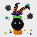 """Фото №1: Фигура из шаров """"Ведьма в котле"""""""