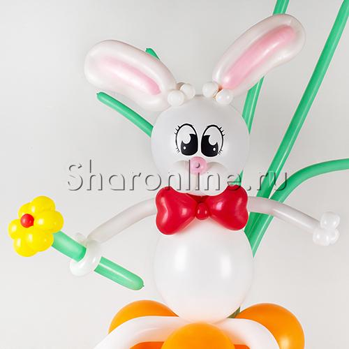 """Фото №3: Фигура из шаров """"Зайка с морковкой"""""""