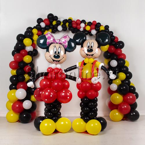 """Фото №1: Фотозона из шаров """"Микки и Минни"""""""