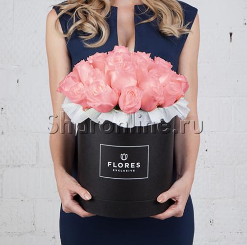 Фото №1: Коробка Classic Black с розовыми розами