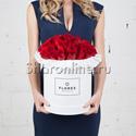 Фото №1: Коробка Classic White с красными розами