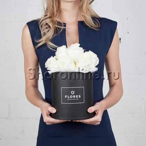 Фото №1: Коробка Mini Black с белыми розами