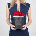 Фото №1: Коробка Mini Black с красными розами