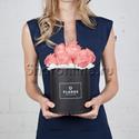 Фото №1: Коробка Mini Black с розовыми розами