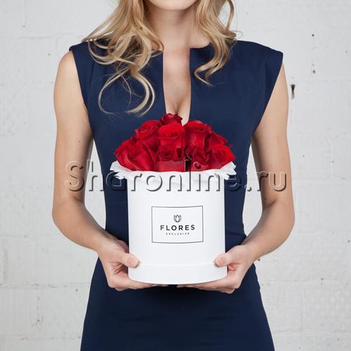 Фото №1: Коробка Mini White с красными розами