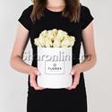 Фото №1: Коробка Mini White с кремовыми розами