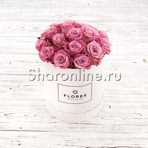 Фото №1: Коробка Mini White с лиловыми розами