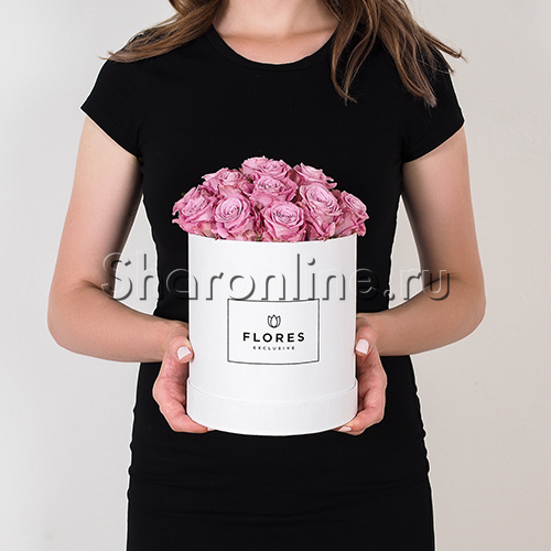 Фото №2: Коробка Mini White с лиловыми розами
