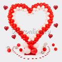 """Фото №1: Стойка из шаров """"Красно-белое сердце"""""""